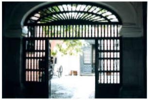 de puertas y escaleras